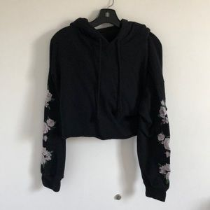 Cropped Floral Embroidered Sleeve Hoodie in Black